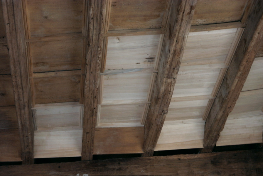 Soffitti a cassettoni in legno restauro degli originali e