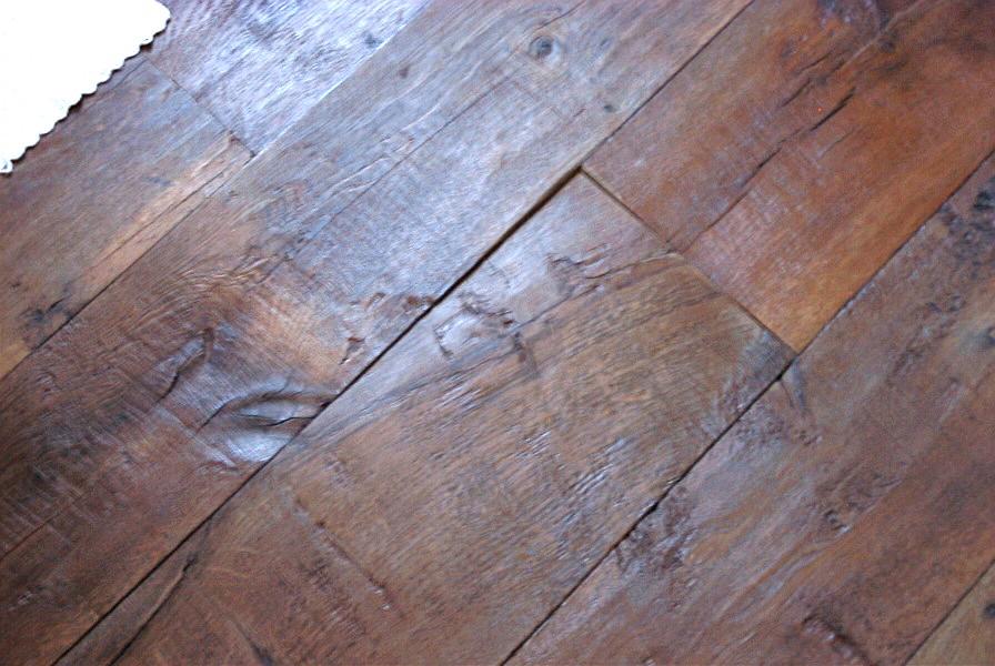 Pavimenti antichi in legno: produzione in legno vecchio o restauro ...